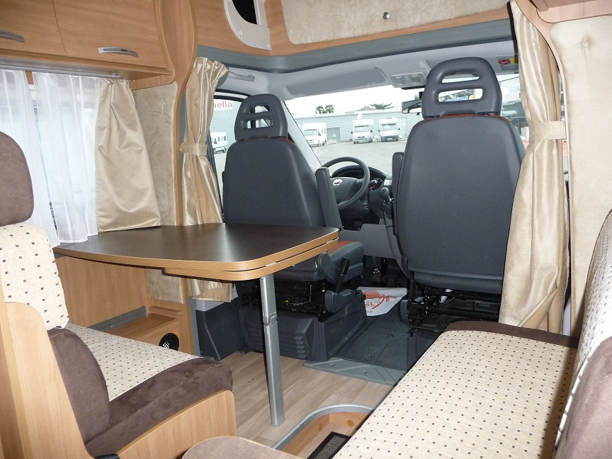 Table dinette camping car for Table exterieur pour camping car
